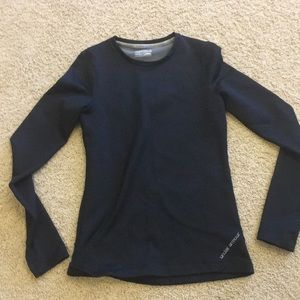 UA fitted cold gear top
